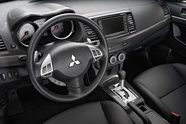 Интерьер салона Mitsubishi Lancer Sportback