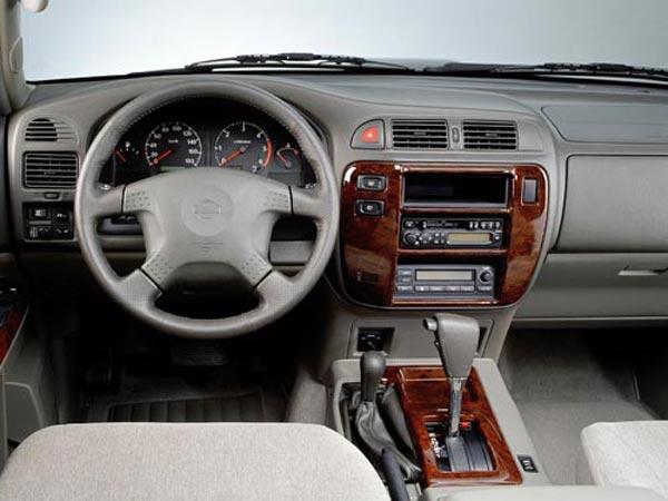Интерьер салона Nissan Patrol GR