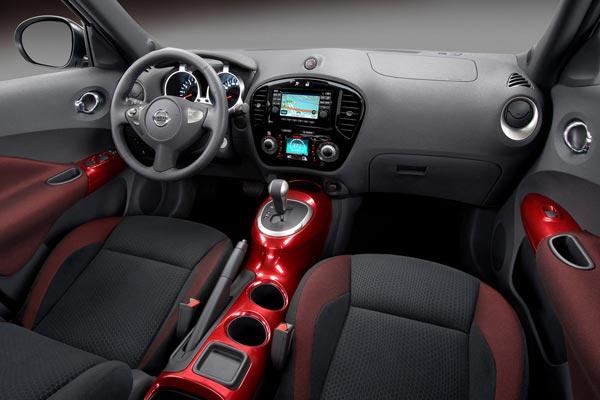 Интерьер салона Nissan Juke