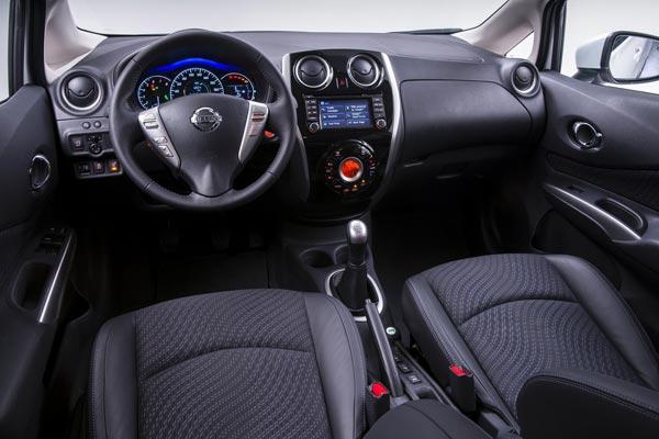 Интерьер салона Nissan Note