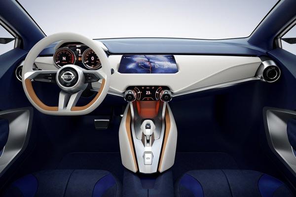 Интерьер салона Nissan Sway