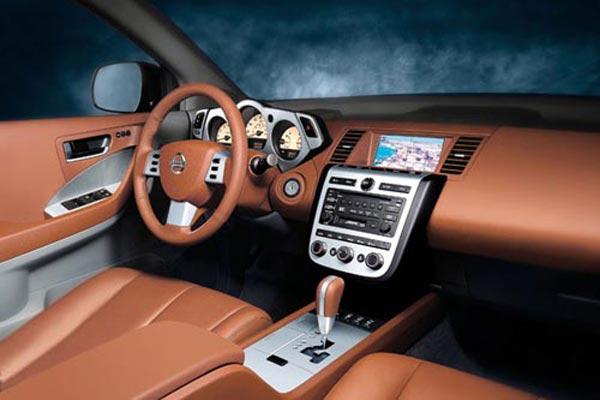 Интерьер салона Nissan Murano