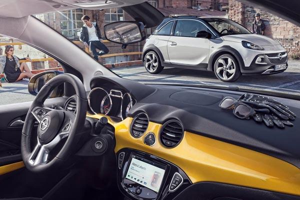 Интерьер салона Opel Adam Rocks