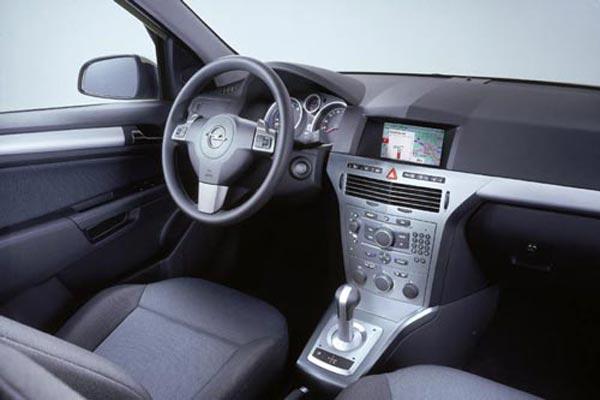Интерьер салона Opel Astra Caravan