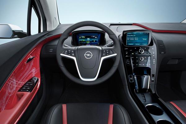 Интерьер салона Opel Ampera
