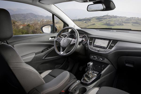Интерьер салона Opel Crossland X