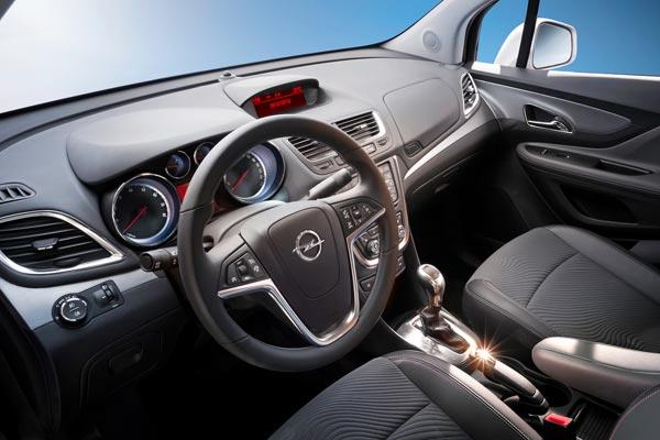 Интерьер салона Opel Mokka
