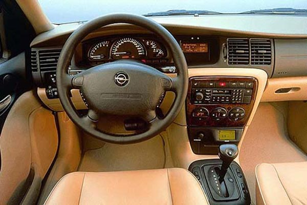 Интерьер салона Opel Vectra Caravan