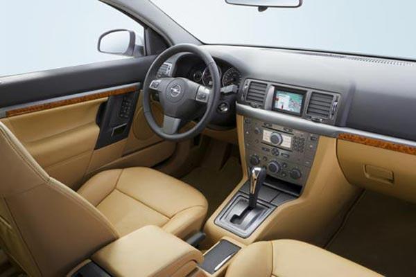 Интерьер салона Opel Vectra GTS