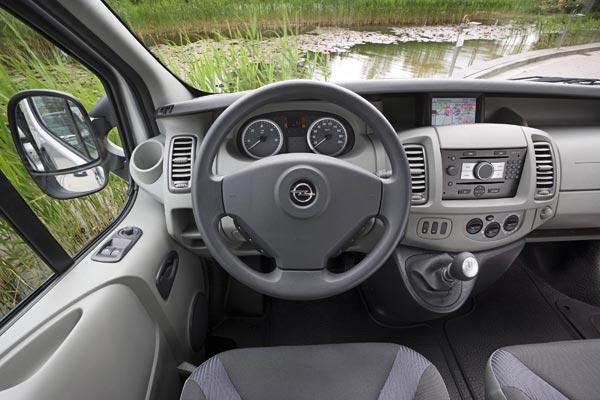 Интерьер салона Opel Vivaro