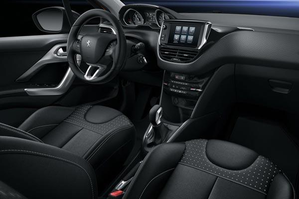 Интерьер салона Peugeot 208