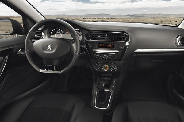 Интерьер салона Peugeot 301