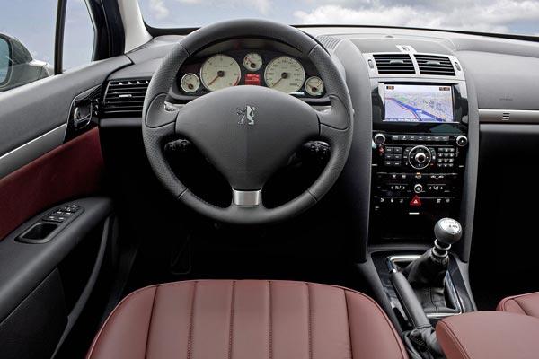 Интерьер салона Peugeot 407 Break