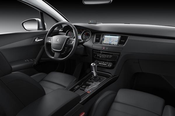 Интерьер салона Peugeot 508