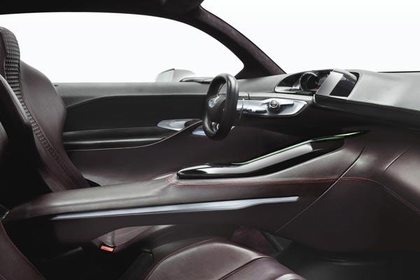 Интерьер салона Peugeot HR1