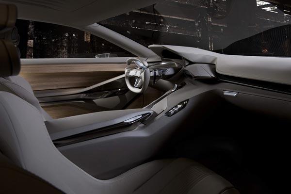 Интерьер салона Peugeot HX1