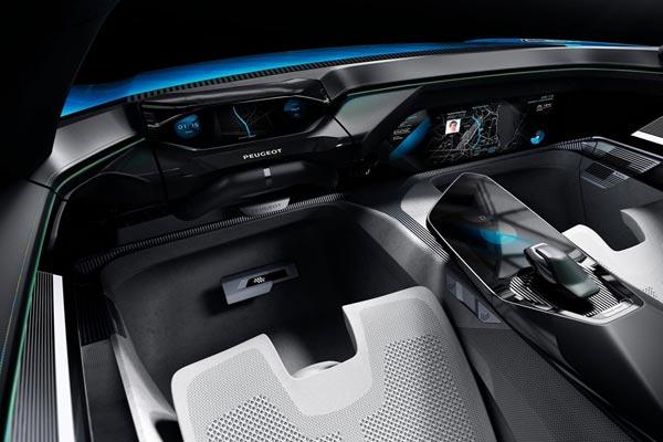Интерьер салона Peugeot Instinct Concept