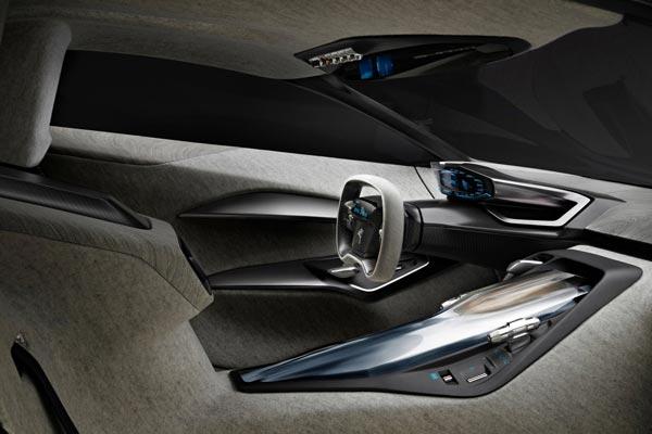 Интерьер салона Peugeot Onyx Concept