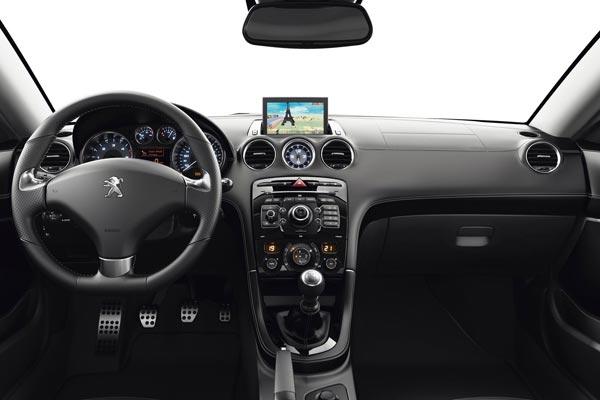 Интерьер салона Peugeot RCZ