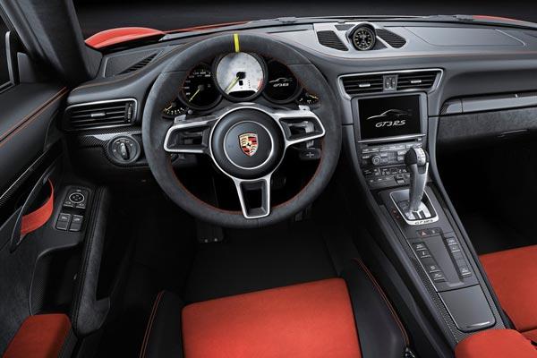 Интерьер салона Porsche 911 GT3 RS