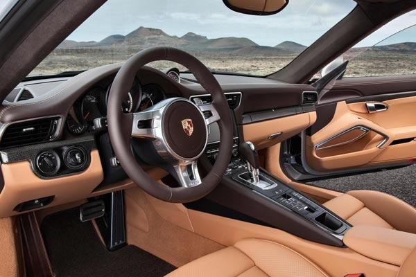 Интерьер салона Porsche 911 Turbo
