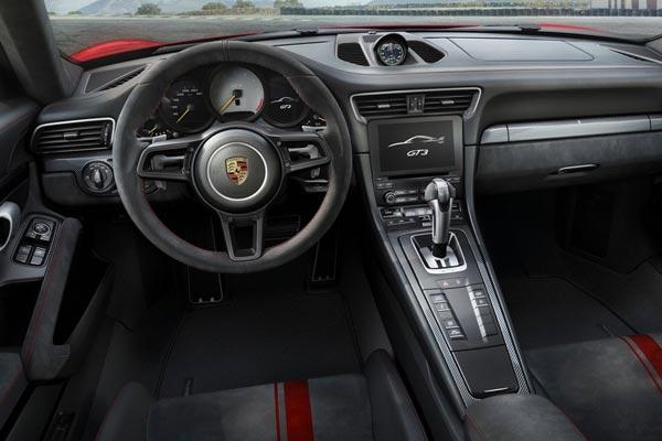 Интерьер салона Porsche 911 GT3