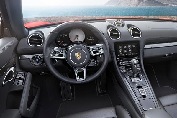Интерьер салона Porsche 718 Boxster