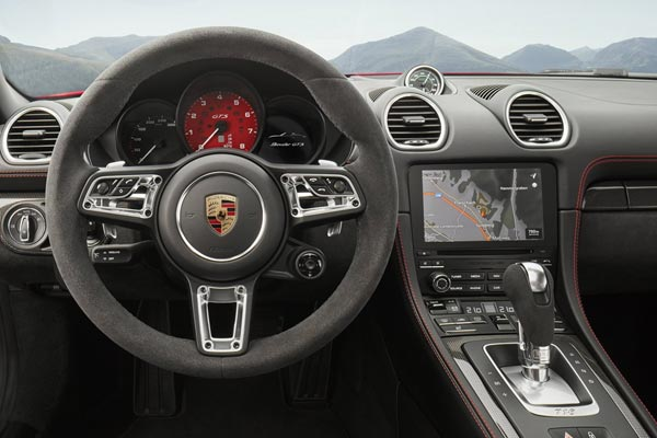Интерьер салона Porsche 718 Boxster GTS
