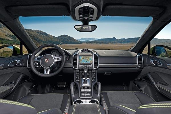 Интерьер салона Porsche Cayenne GTS