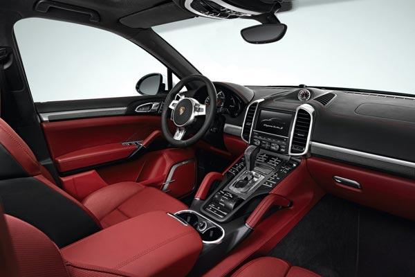 Интерьер салона Porsche Cayenne Turbo S