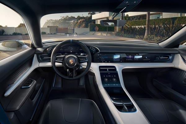 Интерьер салона Porsche Mission E Cross Turismo Concept