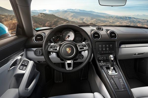 Интерьер салона Porsche 718 Cayman