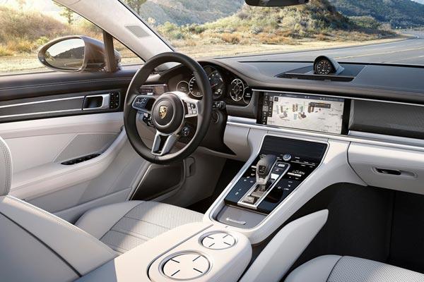 Интерьер салона Porsche Panamera