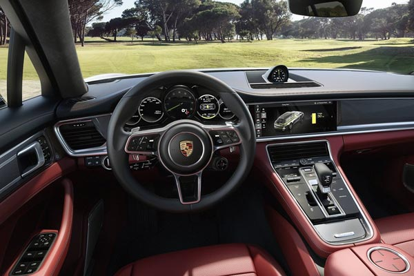 Интерьер салона Porsche Panamera Sport Turismo