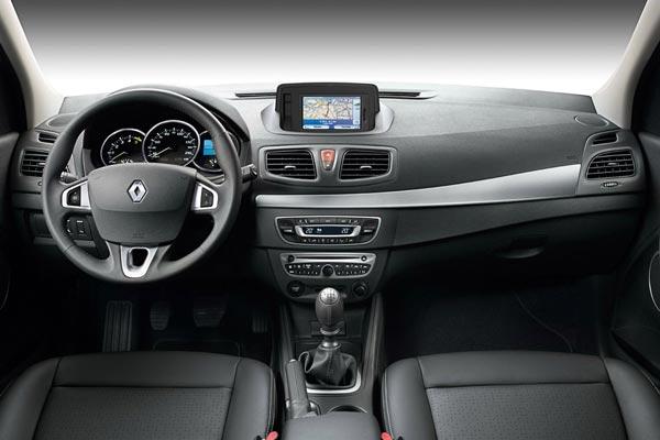 Интерьер салона Renault Fluence