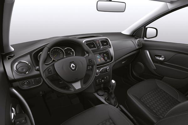 Интерьер салона Renault Logan