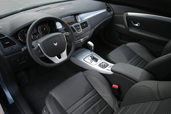 Интерьер салона Renault Laguna Coupe