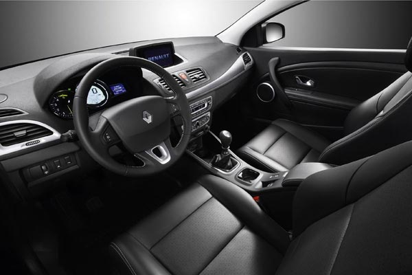 Интерьер салона Renault Megane Coupe