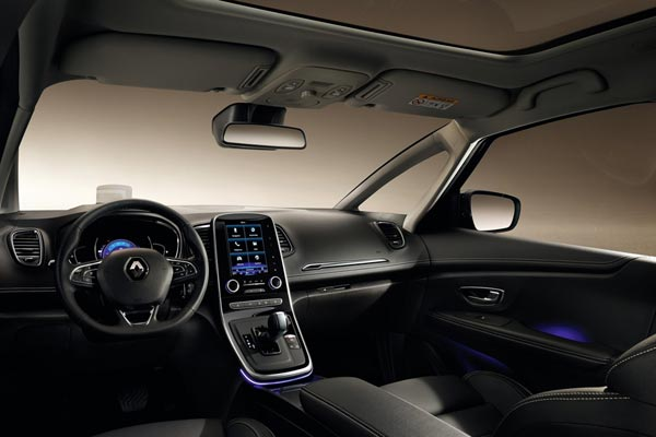 Интерьер салона Renault Scenic Grand