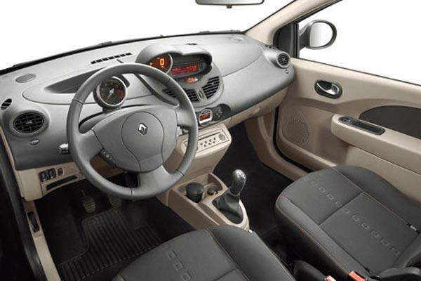 Интерьер салона Renault Twingo