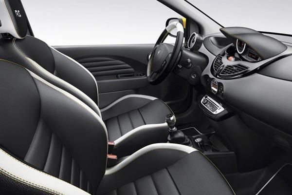 Интерьер салона Renault Twingo RS