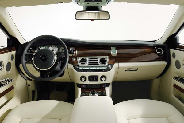 Интерьер салона Rolls-Royce 200EX