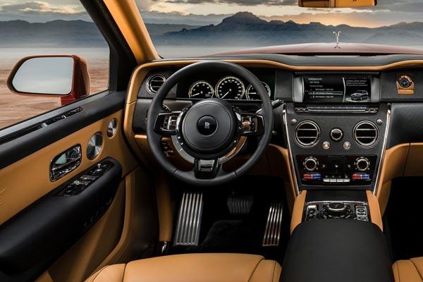Интерьер салона Rolls-Royce Cullinan