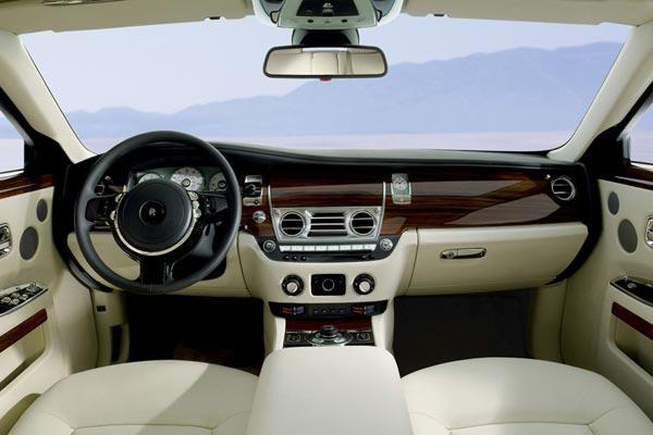 Интерьер салона Rolls-Royce Ghost