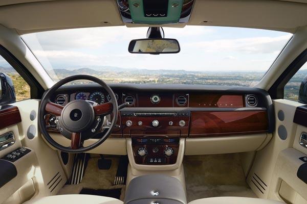 Интерьер салона Rolls-Royce Phantom