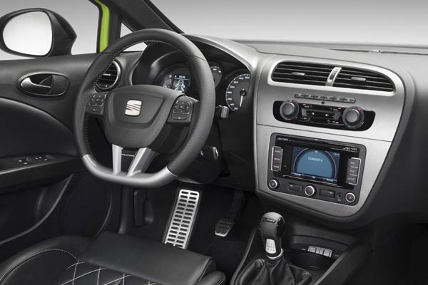 Интерьер салона SEAT Leon Cupra R