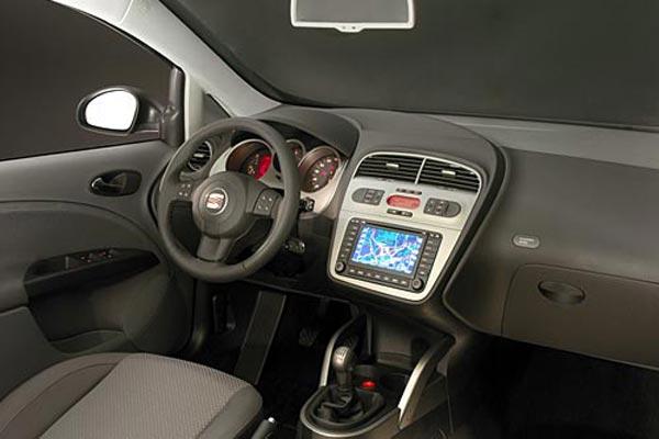 Интерьер салона SEAT Toledo