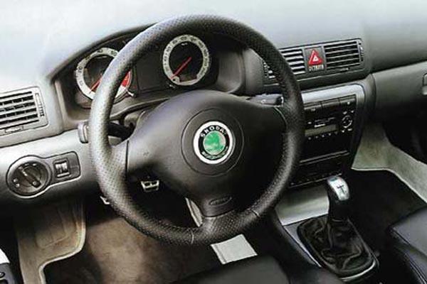 Интерьер салона Skoda Octavia RS