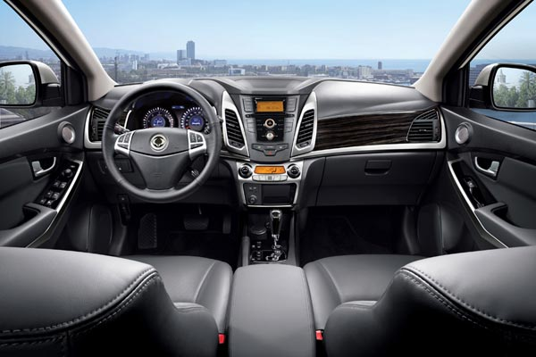 Интерьер салона SsangYong Actyon