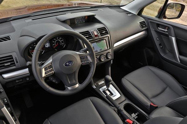 Интерьер салона Subaru Forester